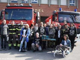 Gli albesi classe '69 omaggiano i Vigili del fuoco