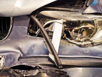 Terribile incidente frontale nel Cuneese: una vittima e un ferito grave