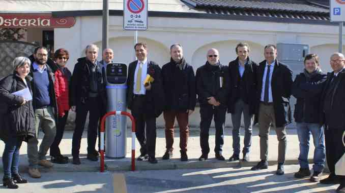 Inaugurata la prima colonnina pubblica per i veicoli elettrici