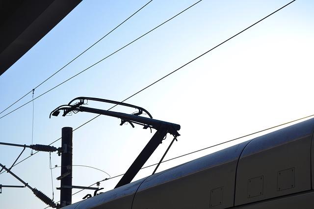 ferrovia-linea-elettrica-treni