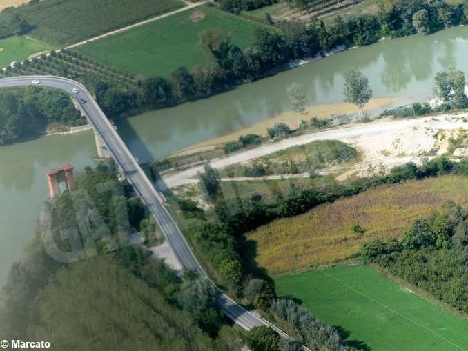 Il ponte di Pollenzo va curato per aprire l'ospedale