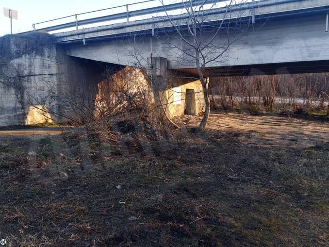 Rimossi i rifiuti abbandonati nei pressi del ponte sul Tanaro 1