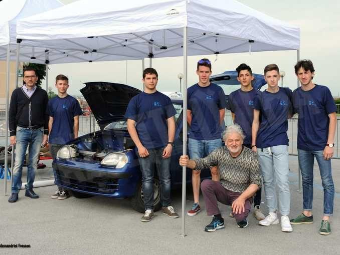 Al Vallauri di Fossano gli studenti fanno diventare una Fiat 600 tutta elettrica 1