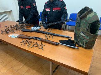 I carabinieri arrestano tre rapinatori e sequestrano tre fucili a pompa