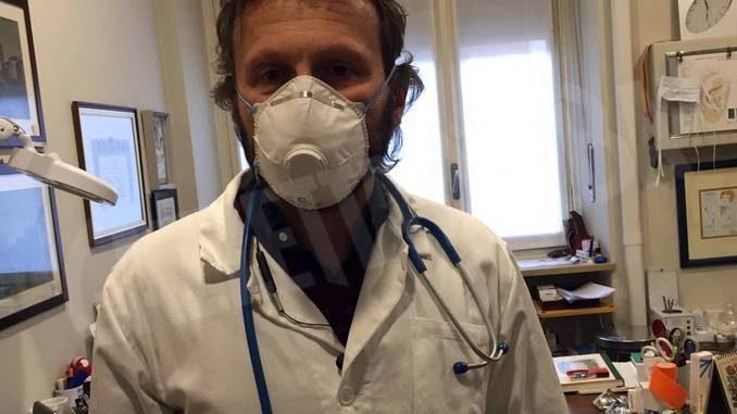 Il dottor Mauro Milanesio: «Mettiamo tutti la mascherina»