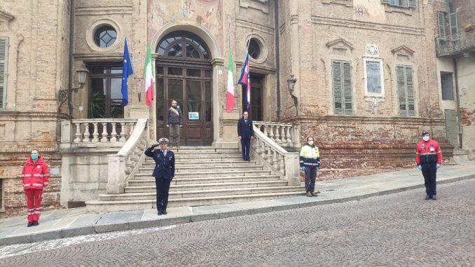 Anche a Bra un minuto di silenzio e bandiere a mezz'asta in ricordo delle vittime del Coronavirus