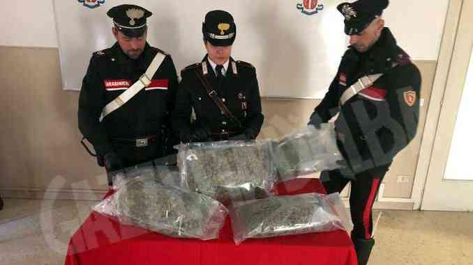 I carabinieri di Ivrea arrestano un corriere delle droga