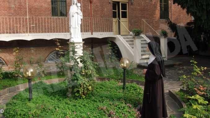 Riflettiamo con le Clarisse di Bra sul senso della preghiera in questa quaresima contagiata dal virus