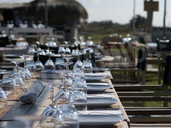 ristorante tavolo posate