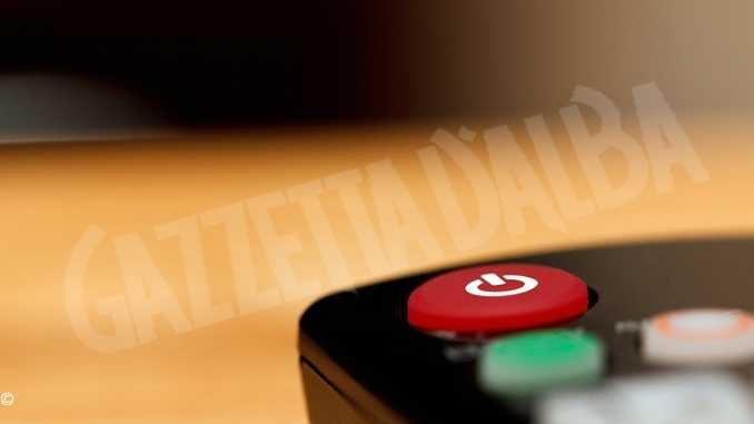 Diffondevano abusivamente i programmi delle pay-tv: denunciate dai Carabinieri tre persone