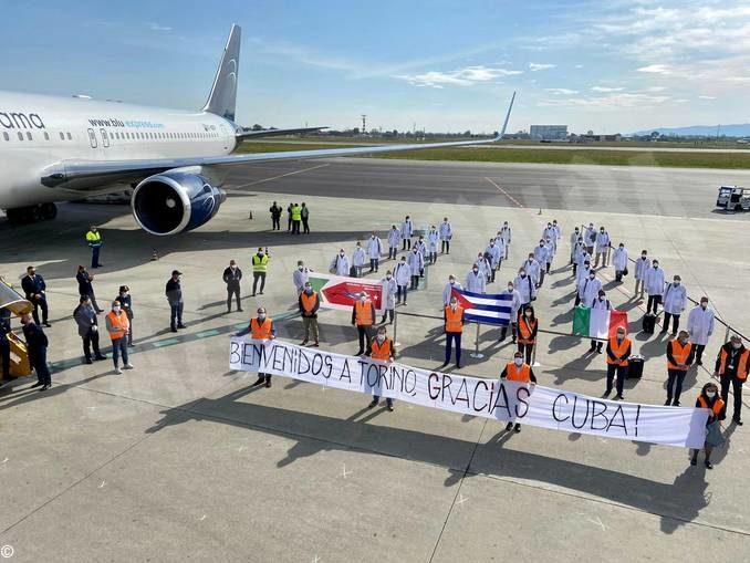 Coronavirus: sono arrivati a Torino i 38 operatori sanitari cubani 1