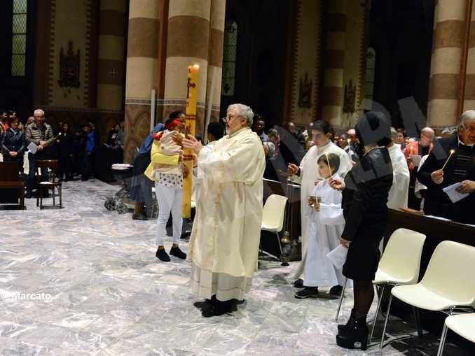 Gli auguri del vescovo Brunetti per la Pasqua 2020: «Celebriamo la vittoria della vita sulla morte»