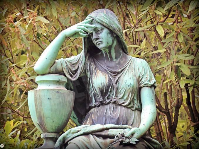 mourning-1547633_1920