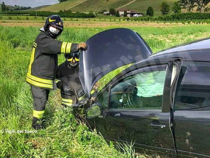 Fuori strada con la propria auto: l'incidente a Borgonuovo di Neive 1