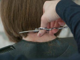 Coronavirus: Appendino, pericolosissimo parrucchieri a casa