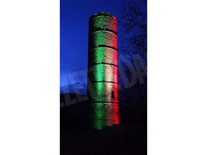 torre cortemilia di notte