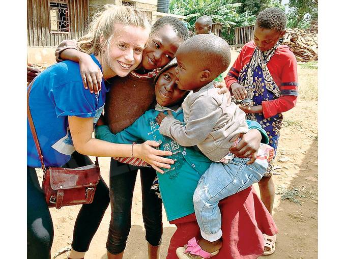 volontaria montatese in africa