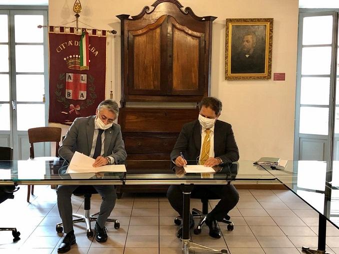 Alba – Comune e Egea firmano accordo di sostegno al territorio