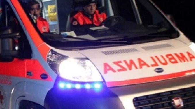 Urtata da un'auto ferita una ciclista quindicenne