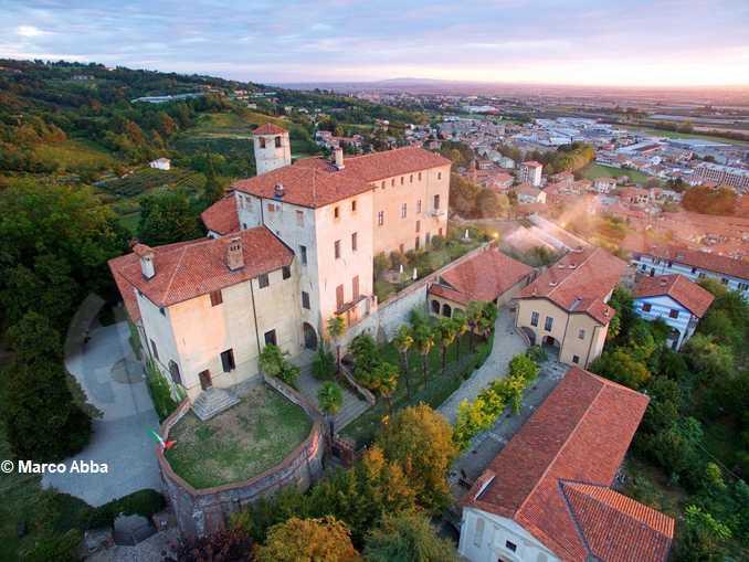 Castello della Manta panorama