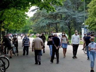 Parchi affollati e più traffico, il primo fine settimana della fase 2