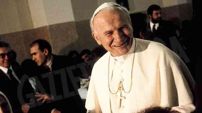 San Karol Wojtyla, la figura del Papa venuto da lontano nel suo centenario