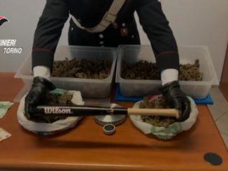 Usava il bar di famiglia come appoggio per il traffico di droga: arrestato un giovane di Chivasso