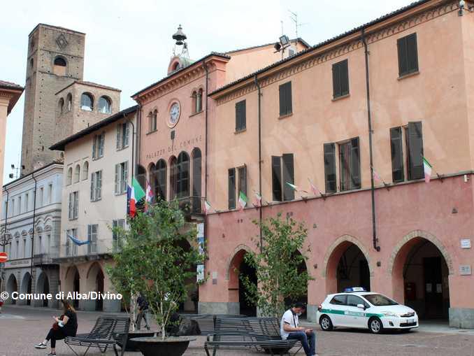 Palazzo_Comunale_Alba_02_2020