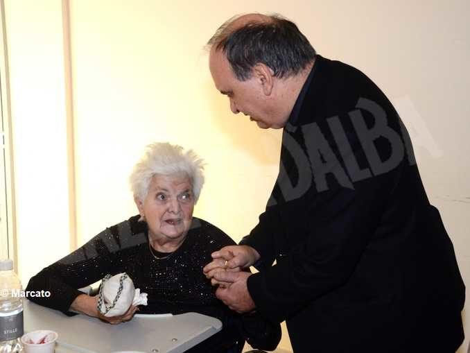 Monsignor Brunetti scrive agli anziani:«Per noi non siete un peso ma un dono» 2