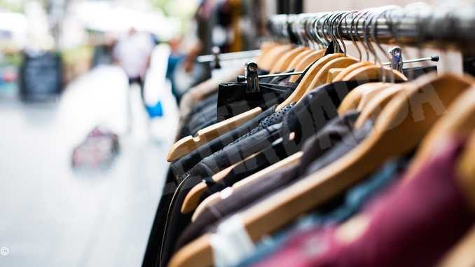 Da lunedì apertura dei negozi e spostamenti liberi in tutto il Piemonte. I parrucchieri riaprono martedì, bar e ristoranti il 25 maggio