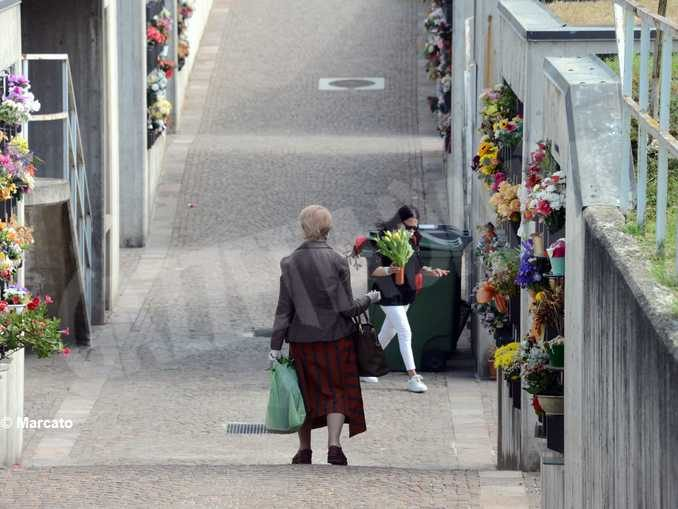 I tre cimiteri cittadini riaprono alle visite martedì 5 maggio 1