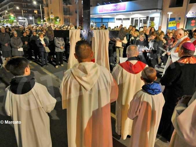 Il Ministero precisa il numero dei fedeli che possono partecipare alle celebrazioni 1