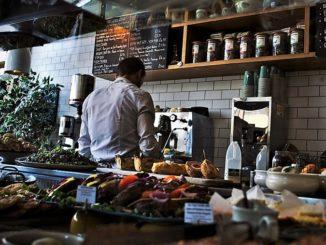 Bar, ristoranti e parrucchieri riaprono dal 18 maggio, ok del governo