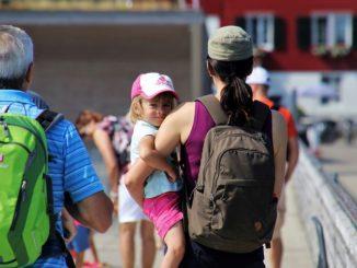Governo lavora a decreto, raddoppia bonus baby sitter. Per autonomi fino a mille euro