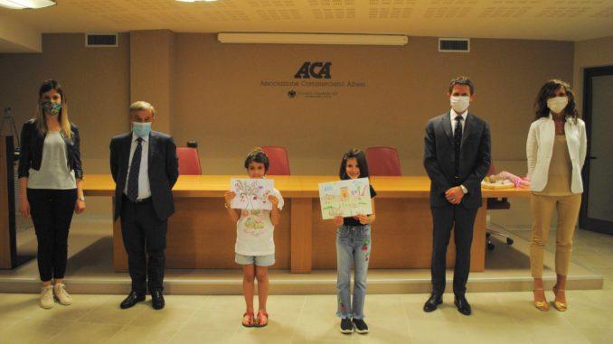 """L'Aca premia due giovani per il """"negozio che sarà"""""""