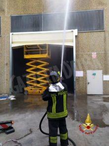 In fiamme un deposito di rifiuti dell'azienda An servizi a Sommariva Bosco 1