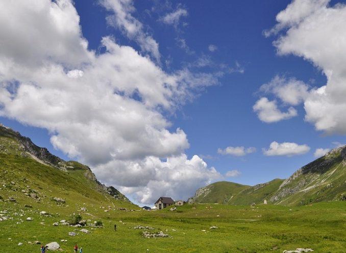 Uncem: 5 regole per un patto tra montagna e turisti
