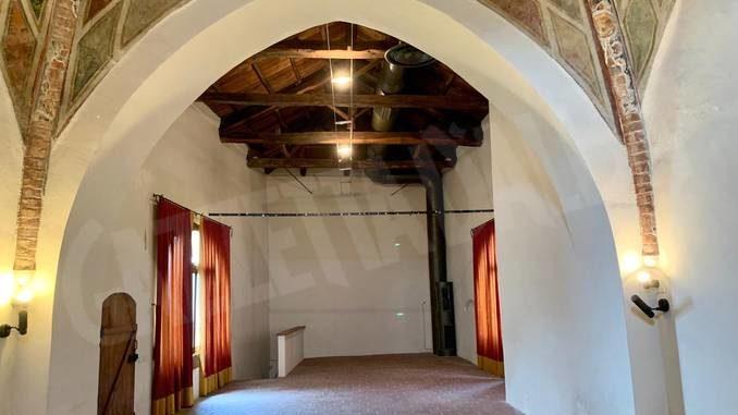 David Tremlett metterà la firma sull'ex oratorio di Serravalle Langhe 1