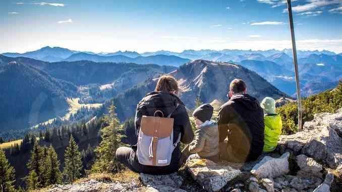 C'è chi intende recuperare il legame con la natura e molti assicurano di volere dedicare attenzioni e molto più tempo alla propria famiglia