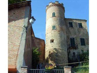 Domenica 5 luglio pic-nic nel parco e visite al castello di Calosso