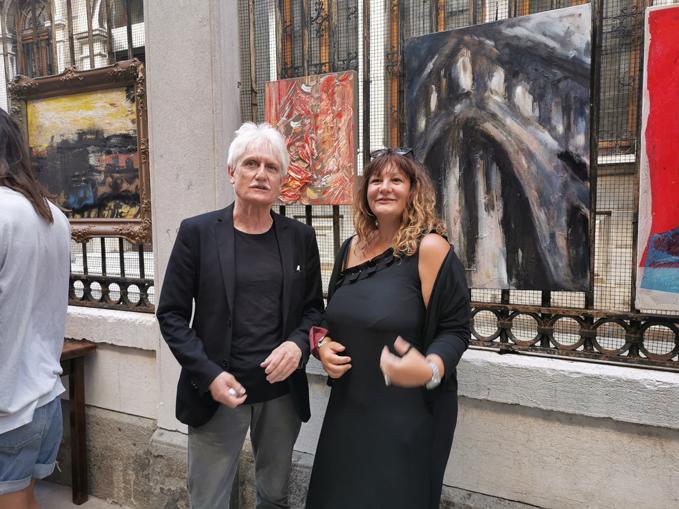 Emanuele Horodniceanu e Daniela Delfina Dell'Orto in calle della Testa a Venezia
