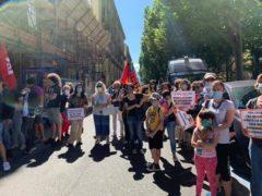 Scuola: mobilitazione di genitori e insegnanti in piazza «chiediamo sicurezza, spazi, risorse e personale adeguati» (FOTOGALLERY) 10