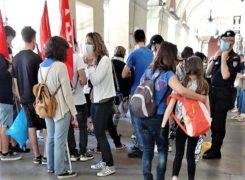 Scuola: mobilitazione di genitori e insegnanti in piazza «chiediamo sicurezza, spazi, risorse e personale adeguati» (FOTOGALLERY) 14
