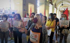 Scuola: mobilitazione di genitori e insegnanti in piazza «chiediamo sicurezza, spazi, risorse e personale adeguati» (FOTOGALLERY) 6