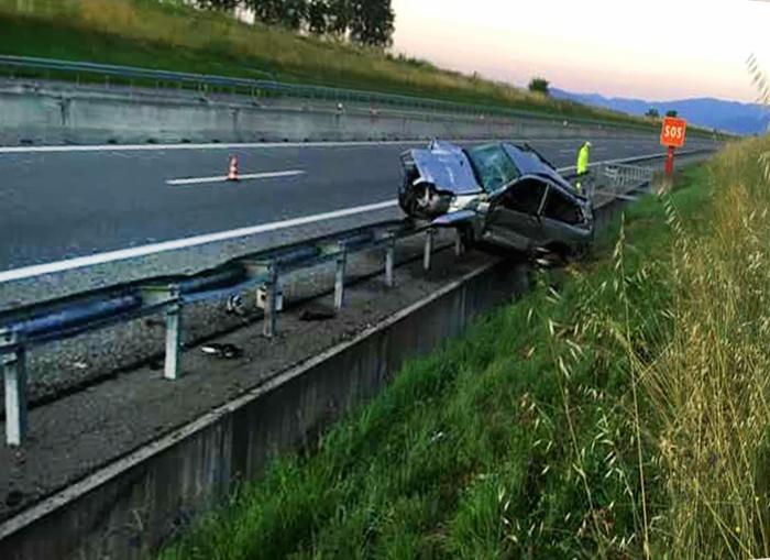 Scalenghe incidente del 21 6 2020 Raccordo Pinerolo Toyota Cruiser del21 6 20 4