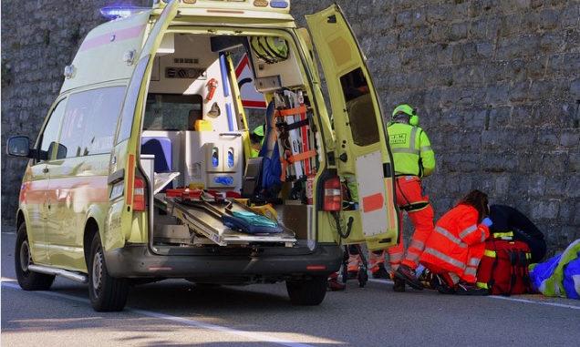 Ormea: ferita 44enne di Bernezzo durante uno scontro tra auto e moto