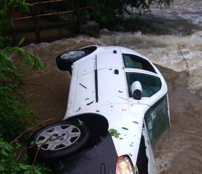 automobile Sant'Anna di Chiusa Pesio precipitata nel torrente