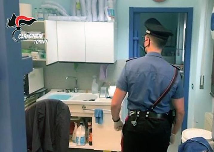carabinieri – studio dentistico abusivo