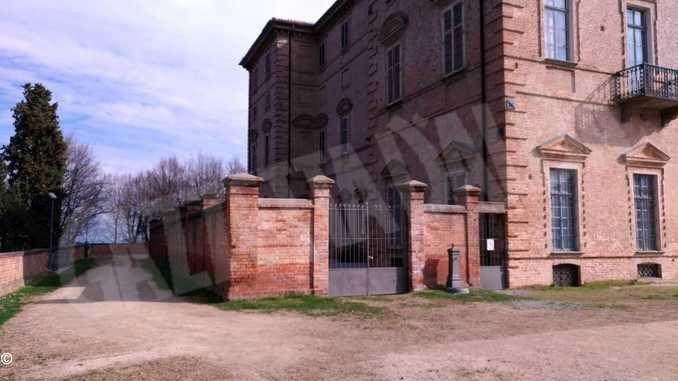 Il muro da abbattere in una delle immagini che corredano la candidatura al bando distruzione