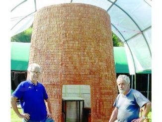 Neive: un nuraghe con 40mila tappi di sughero realizzato dai fratelli Cossu